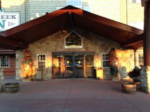 The Stony Creek Inn - Notice the Bears